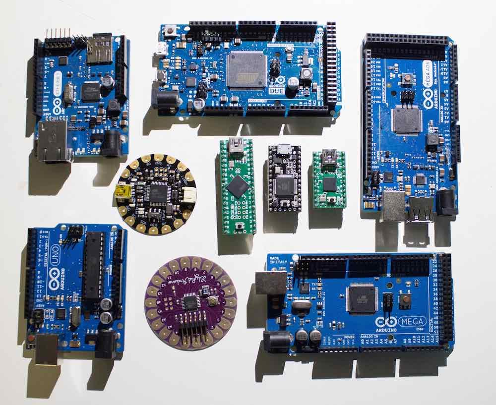 La gamme de microcontroleurs Arduino/Genuino.