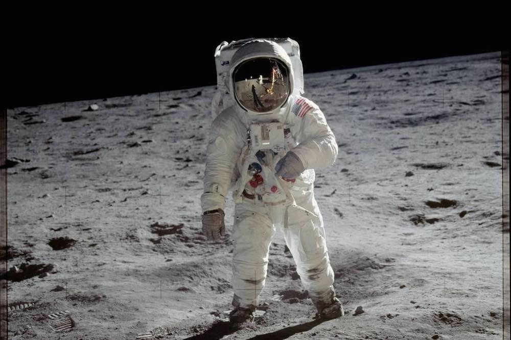 homme-sur-la-lune