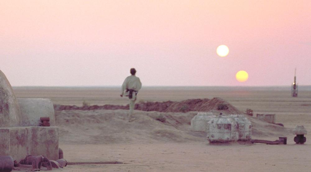Des astronomes découvrent une planète géante à trois soleils