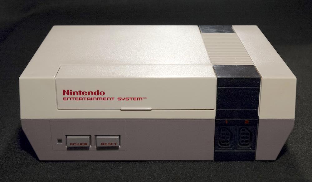 Surprise : Nintendo sort une réplique miniature de la NES baptisée Classic Mini