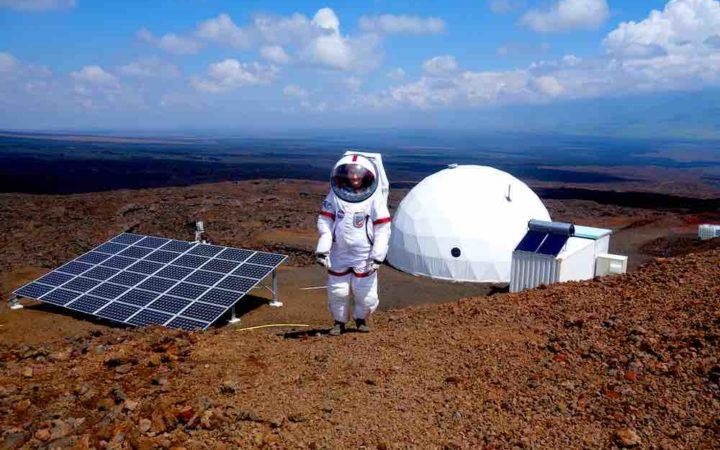 """Seuls sur Mars : après un an d'isolement les six astronautes """"rentrent sur Terre"""""""