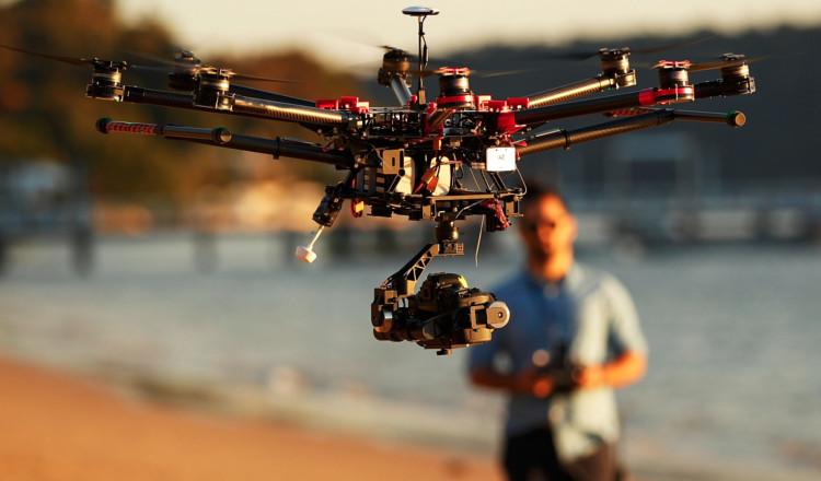 Il Filme Sa Femme avec son drone, il filme sa femme le faire cocu puis balance tout