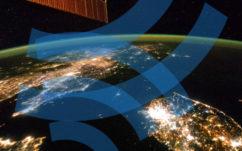 Elon Musk veut lancer un accès internet ultra-rapide mondial par satellite