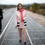 Une route qui produit de l'électricité solaire vient d'être inaugurée en france