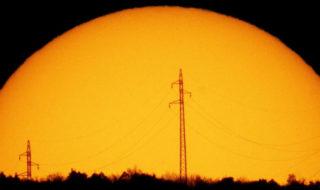 grosse eruption solaire economie mondiale genoux etude