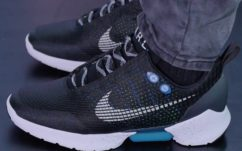 Nike HyperAdapt 1.0 : la chaussure auto-laçante à 720$ démontée révèle ses secrets !