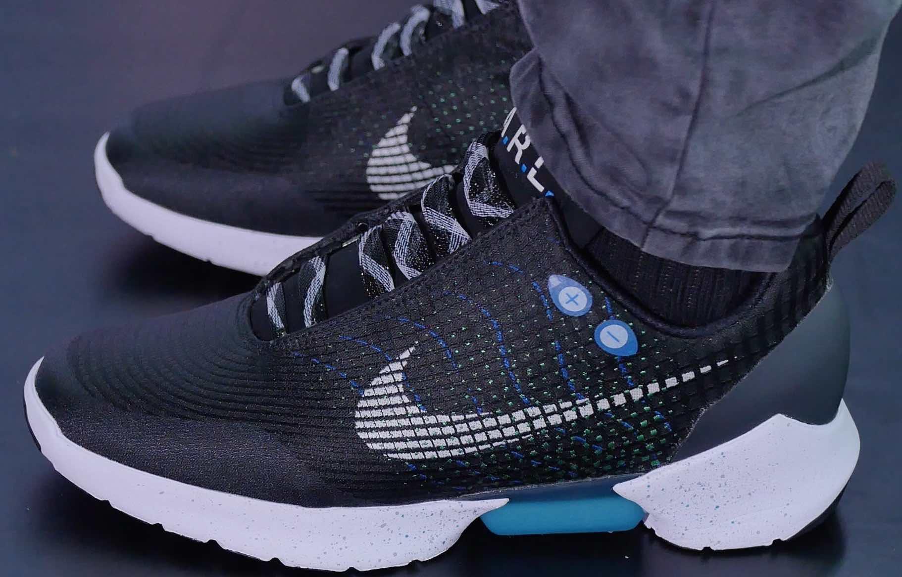Nike HyperAdapt 1.0 : la chaussure auto laçante à 720