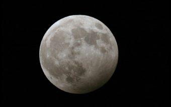 Eclipse lunaire pénombrale et comète dans la nuit du 10 au 11 février 2017