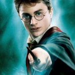 Harry Potter : il affirme qu'il ne le lira jamais, un libraire lui twitte le tome 1 ligne par ligne