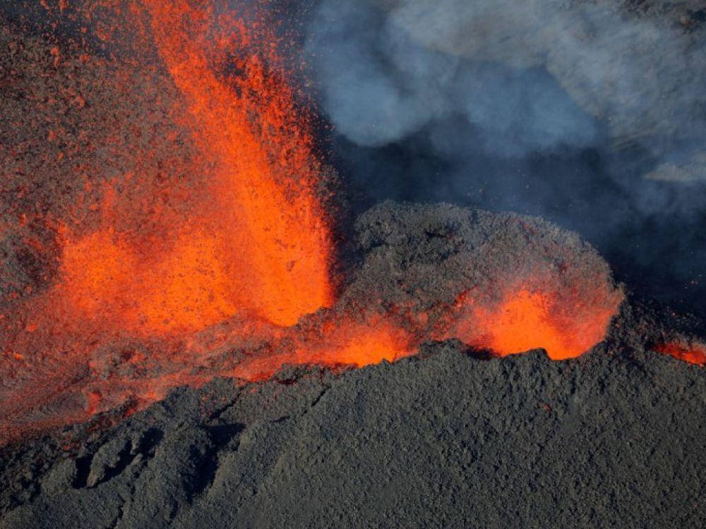 Le Piton de La Fournaise éruption
