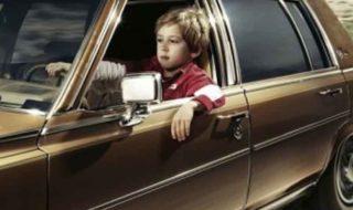 enfant conduire voiture