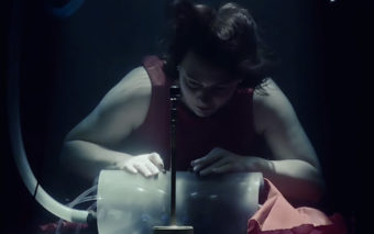 Des musiciens jouent sous l'eau, cette vidéo très WTF va vous envoûter