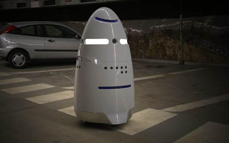 homme ivre robot arreter police
