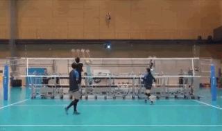 Volley-ball : aux séances d'entrainement, cette équipe joue avec des robots
