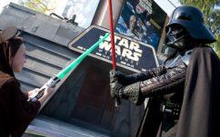Star Wars : Disneyland vend désormais des churros sabre-laser !