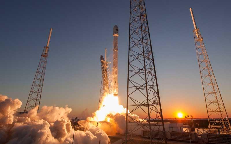 Pour connecter le monde, SpaceX veut déployer 4.425 satellites en 5 ans