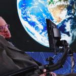 Stephen Hawking affirme que nous serons contraints de fuir la Terre d'ici 100 ans