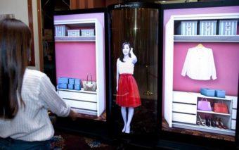 LG dévoile un hallucinant écran 77 pouces OLED, à la fois flexible et transparent