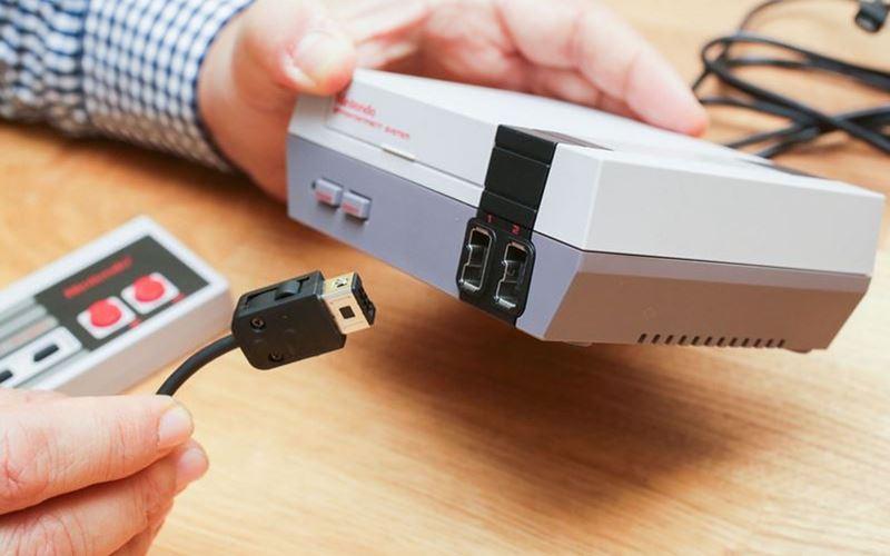 NES Classic Mini : des copies plus vraies que nature envahissent eBay et d'autres sites marchands, comment les repérer