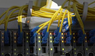 Très Haut Débit : SFR et Orange veulent la fibre, l'Etat se dit prêt au compromis