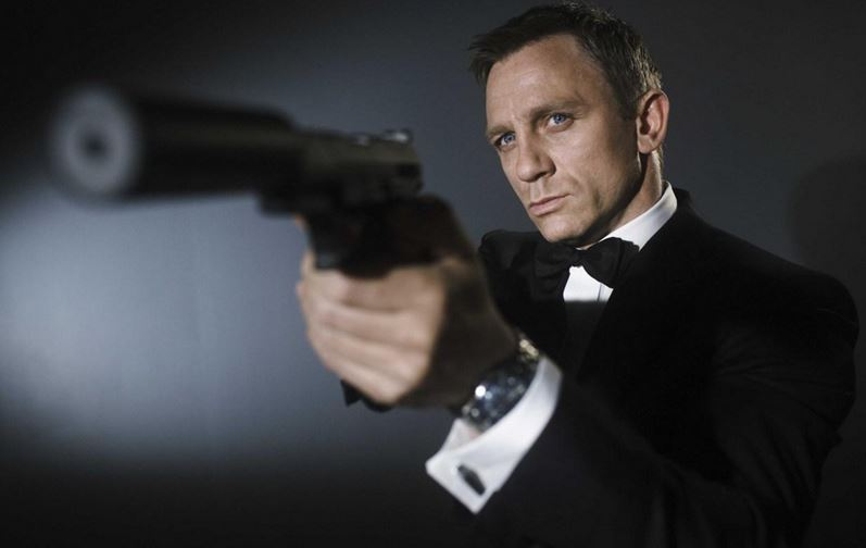 james bond daniel craig revient