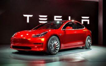 Tesla Model 3 : les premières voitures électriques moins chères seront livrées le 28 juillet !