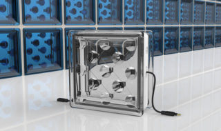 Panneaux solaires : cette brique transparente produit de l'électricité