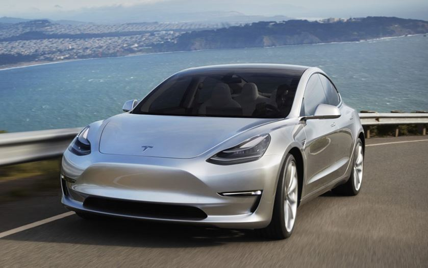 tesla model 3 la capacit de sa batterie et sa puissance monstrueuse enfin d voil es. Black Bedroom Furniture Sets. Home Design Ideas