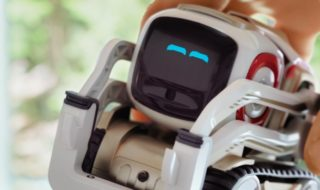 Cozmo : prise en main de l'adorable petit robot qui ne manque pas de cerveau