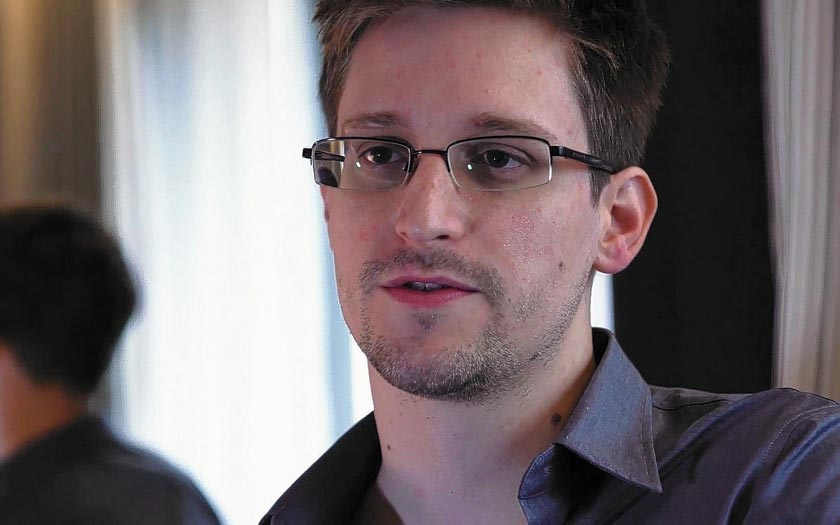 Edward Snowden Face ID iPhone X