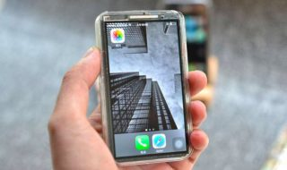 iPhone X : un youtubeur fabrique une version mini et c'est une tuerie [vidéo]