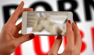 Porno : pourquoi regarder des vidéos X sur smartphone est une très mauvaise idée
