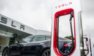 Tesla brevette un Supercharger capable de faire le plein d'électricité en 15 minutes