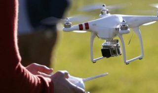 Drones : la formation des pilotes sera bientôt obligatoire, ce qu'il faut savoir