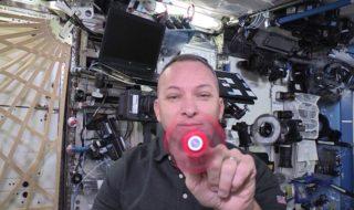 Vidéo : des astronautes jouent au hand spinner en apesanteur à bord de l'ISS !