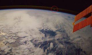 Vidéo : un astronaute filme depuis l'ISS une météorite qui se transforme en boule de feu