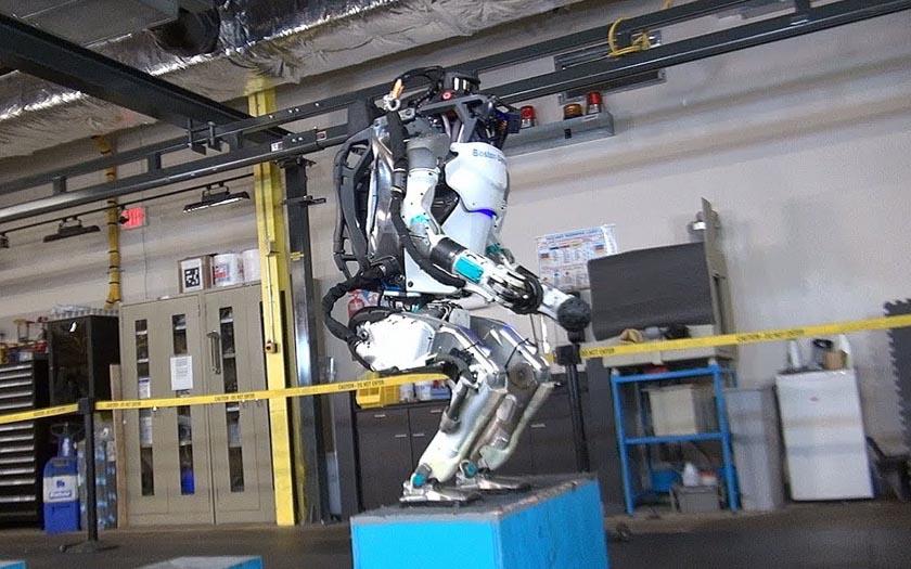 atlas robot saut