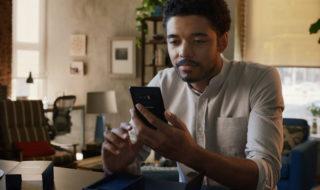 iPhone X : Samsung se moque copieusement de 10 ans d'iPhone dans une nouvelle pub