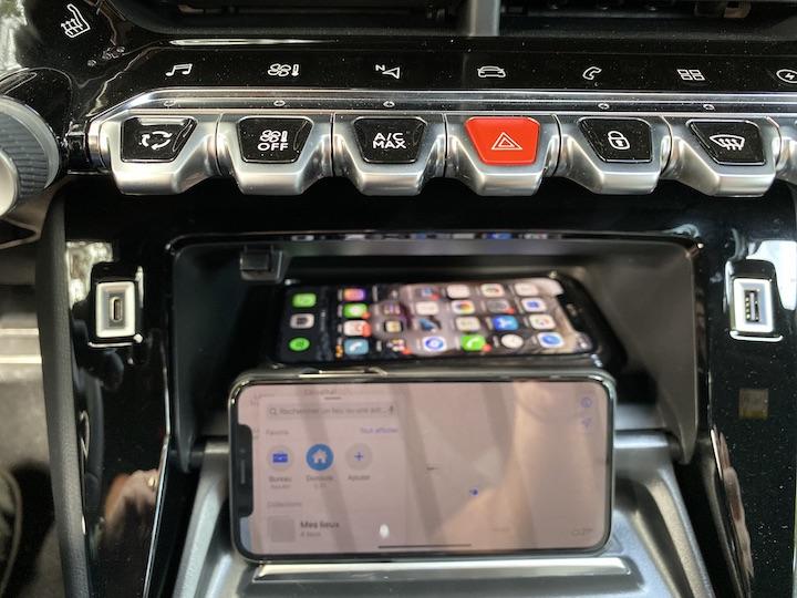 peugeot e208 console centrale smartphone