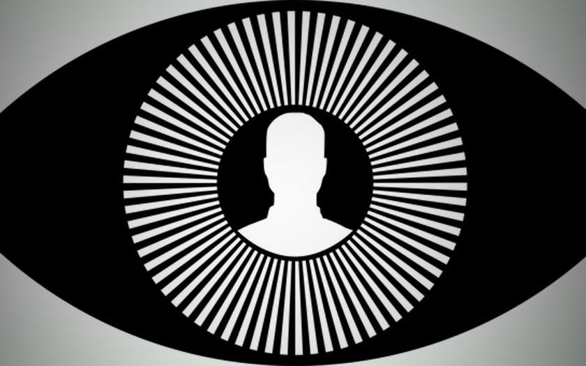 Facebook : la reconnaissance faciale pour éviter les faux comptes