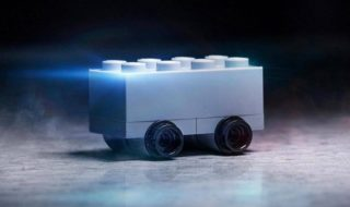 Cybertruck : Lego se moque de Tesla et de son pickup indestructible