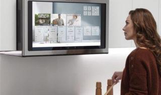 CES 2020 : oui, vous pouvez regarder Netflix sur ce four micro-ondes