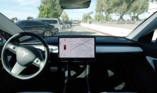 Tesla : elles passent dorénavant les feux verts sans intervention du conducteur