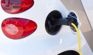 Voitures électriques d'occasion : le gouvernement annonce un bonus écologique de 1000 €