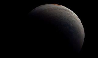 Jupiter : survolez la planète géante à travers les yeux de la sonde Juno