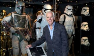 Jeremy Boloch devant Boba Fett (Star Wars)