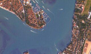 CES 2021 : vous pouvez photographier la Terre depuis l'espace grâce à Canon !