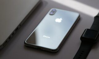 iPhone Apple (image Clayton Robbins)