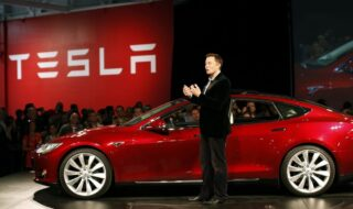 Tesla : Elon Musk n'a aucun salaire, mais toucherait 25 milliards d'euros en compensation