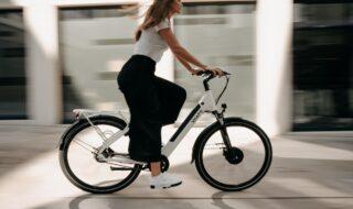Meilleurs vélos à assistance électrique, VAE (image libre de droits)
